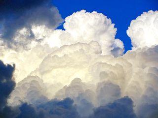 Clouds dark boarderSx230_0441