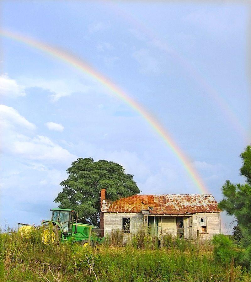 RainbowEM2TractorHouseSX230_0438