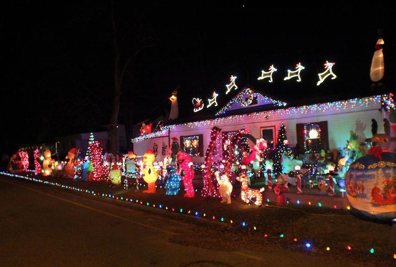 ChristmasEM2LightsHouseFuji8741
