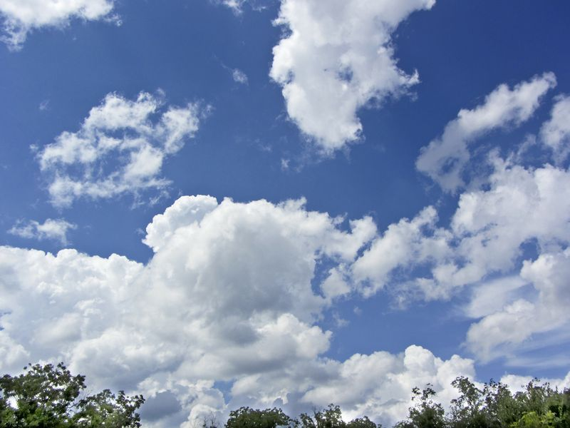CloudsEM2JuneSX230_9224