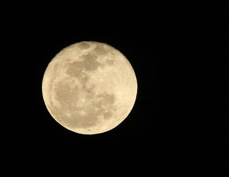 MoonEM2Feb15T2i_3598
