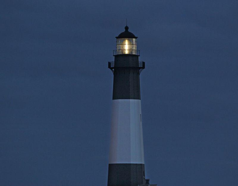 LighthouseEM4FullLightOnTybee_1849